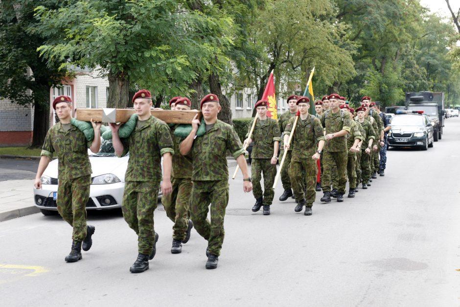 Nešdami kryžių kariai nužygiuos iš Klaipėdos į Kryžių kalną