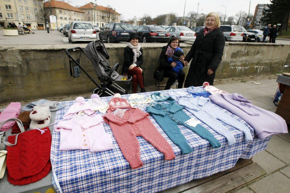 """Klaipėdoje sezoną atidarė """"Kaimynų"""" turgelis"""