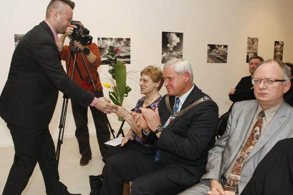 V. Straukui įteiktos Klaipėdos miesto garbės piliečio regalijos