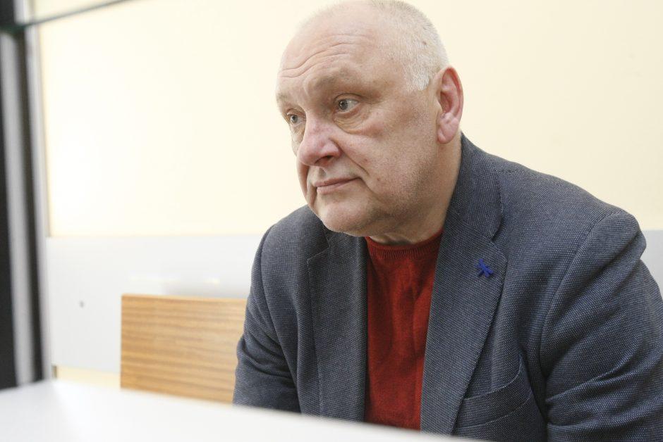 Įtariamas advokatas teismo lauks namuose (atnaujinta)