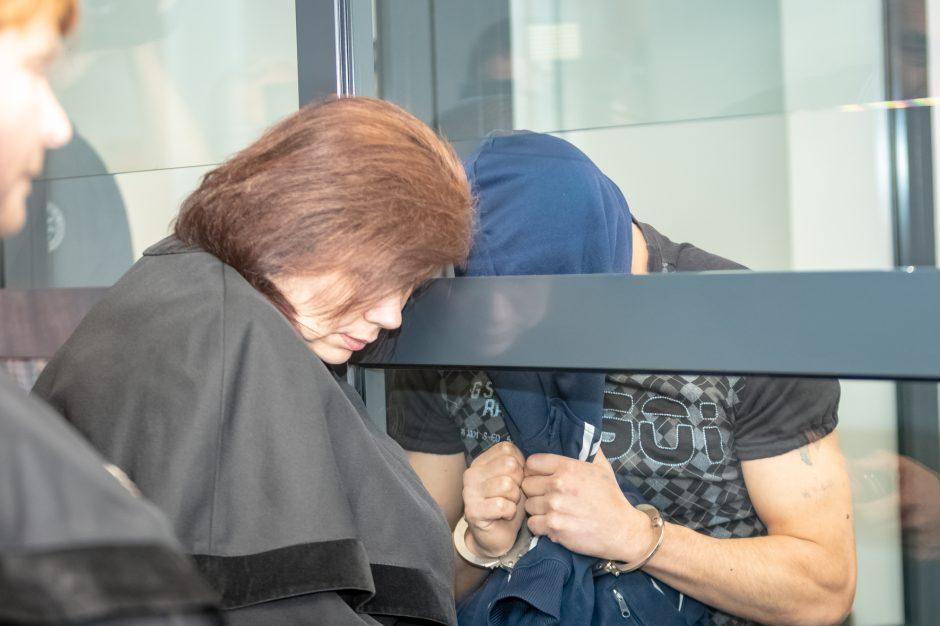 Lietuvą pašiurpinę žudikai bus teisiami už uždarų durų