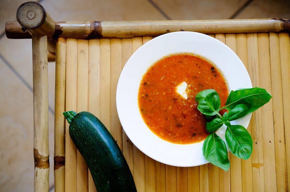 Gardi pomidorų sriuba (receptas)