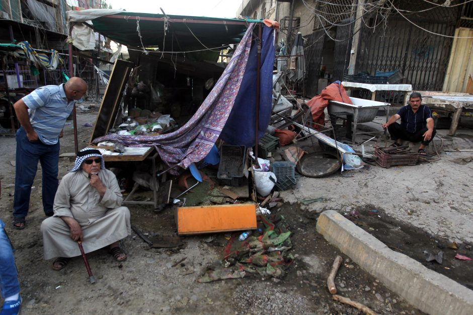 Bagdado provincijoje per sprogimų virtinę žuvo 65 žmonės