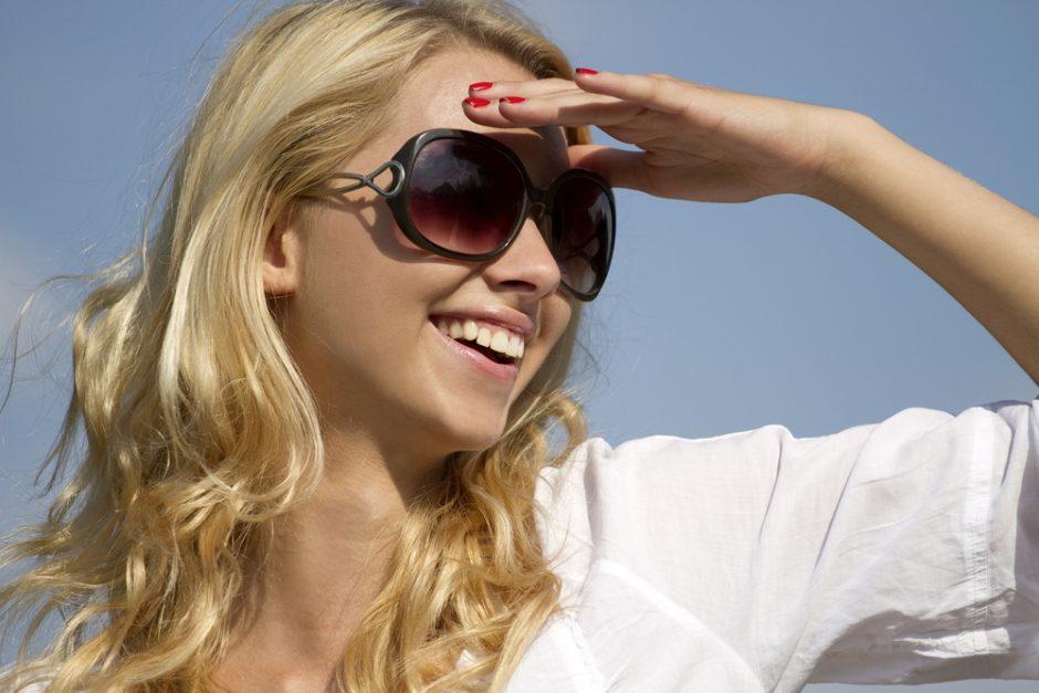 Tamsūs akiniai išgelbės nuo migrenos?