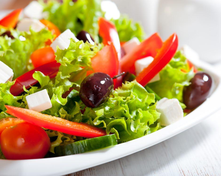 Avies sūrio ir vyšnių salotos (receptas)