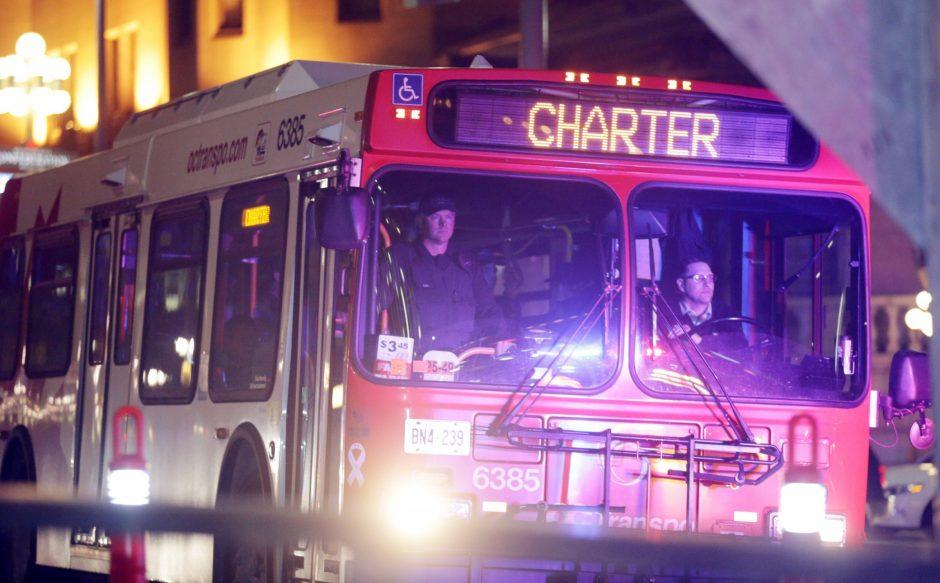 Otavoje autobusui įsirėžus į stotelę žuvo trys žmonės, dešimtys sužeista