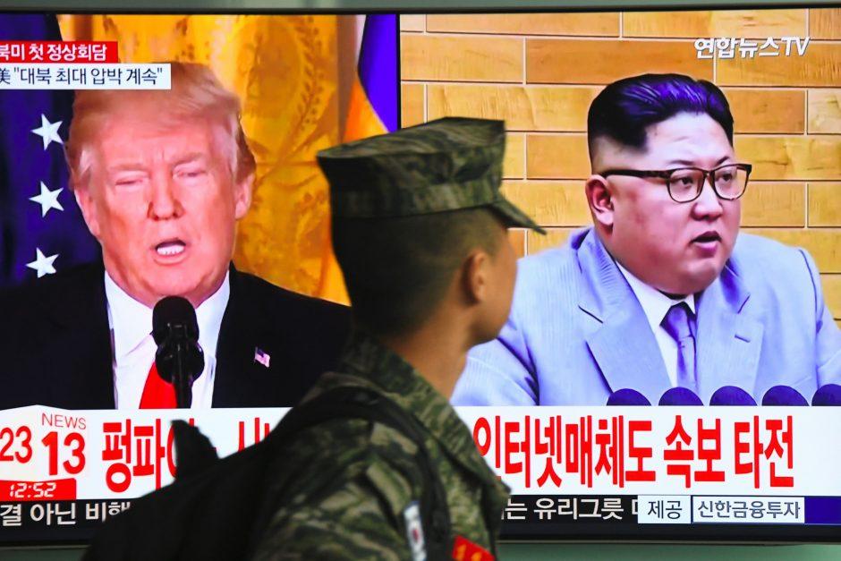 Šiaurės Korėjos ir JAV lyderiai susitiks derybų branduoliniu klausimu