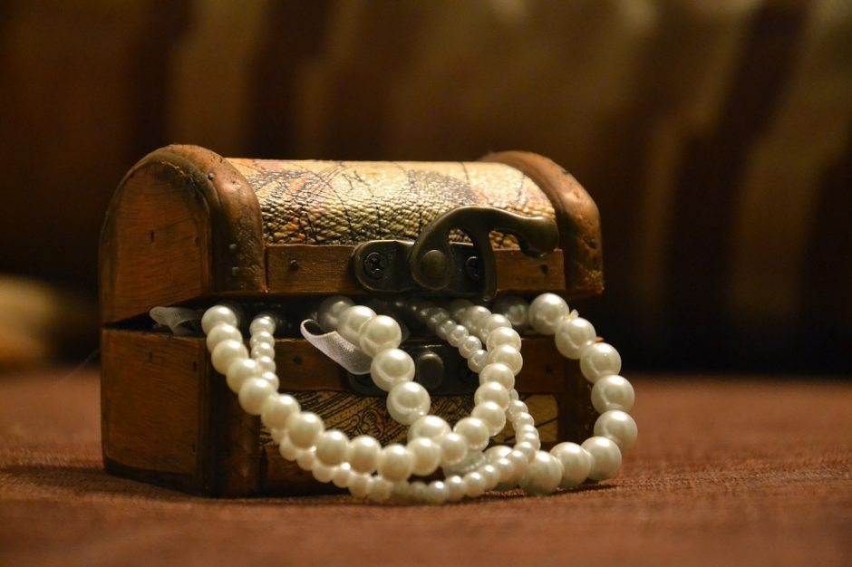 Vagių grobis – brangūs sidabro papuošalai
