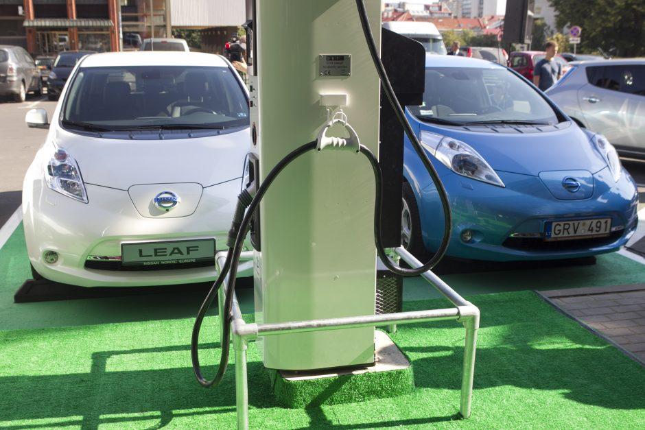 Elektromobiliai Lietuvoje: fiksuojamas kuklus augimas