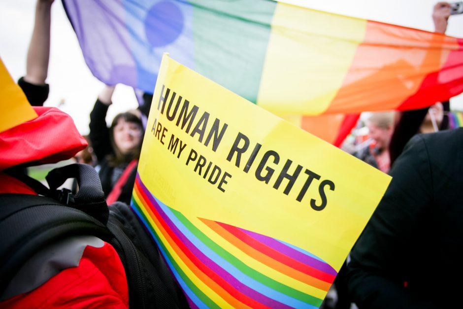 """""""Amnesty International"""" ataskaitoje – dėmesys Lietuvos LGBT bendruomenei"""