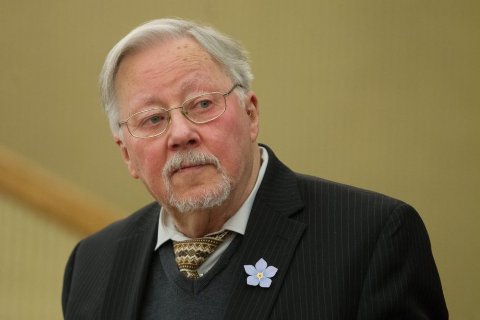V. Landsbergis: greta turime bepročių valstybę