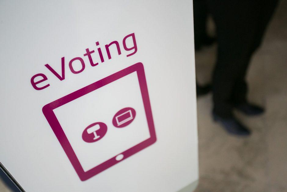 """Prezidentūra: už 2 mln. galima sukurti """"kiaurą rėtį"""", o ne balsavimo sistemą"""