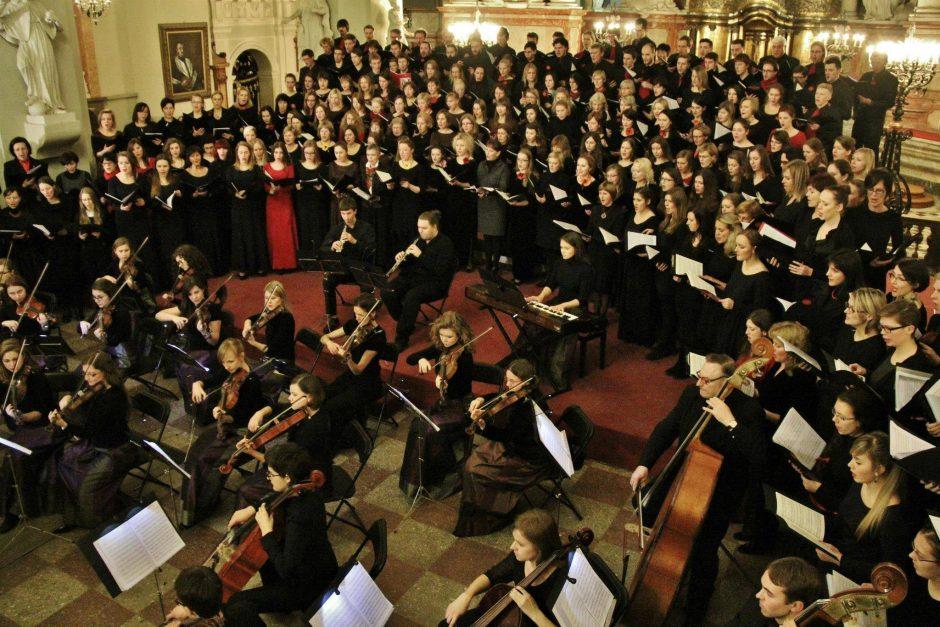 """""""Klasika visiems"""" klausytojus jaudins W. A. Mozarto """"Requiem"""" akordais"""