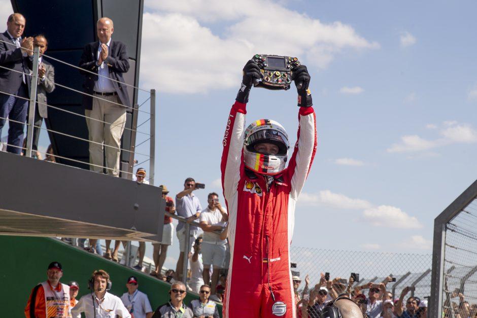 """""""Formulė-1"""": Britanijos """"Grand Prix"""" lenktynes laimėjo vokietis S. Vettelis"""