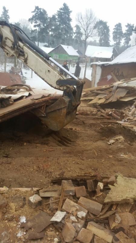 Nelegalias statybas mėgstantys romai lieka be stogo