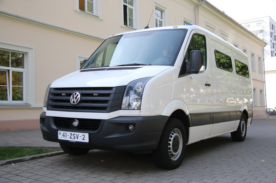 Nelegalius migrantus pasieniečiai vežios olandų dovanotais mikroautobusais