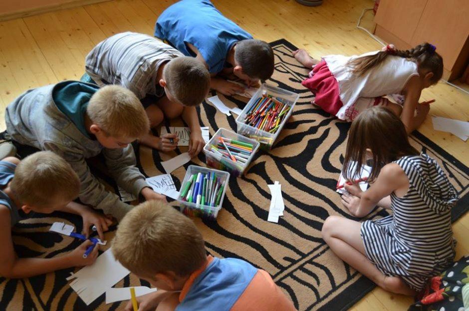 """""""SOS vaikų kaimo"""" mamos kasdienybė: kaip kas mėnesį išmaitinti šešis vaikus"""