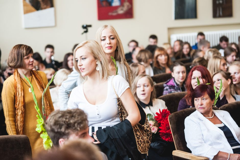 Į Kauno mokyklas sugrįžo moksleiviai