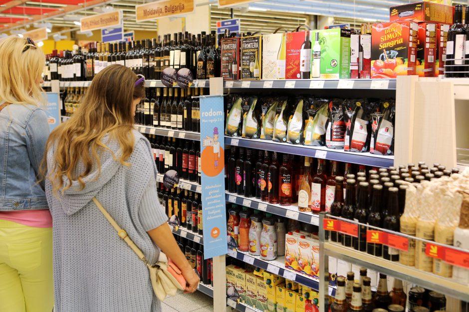 Dėl alkoholio pardavimo laiko ir amžiaus – prekybininkų diskusijos