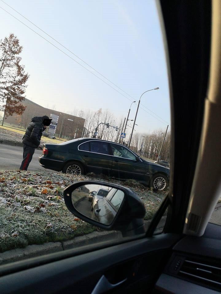 Kaune nesisekė BMW vairuotojams: vienas rėžėsi į medį