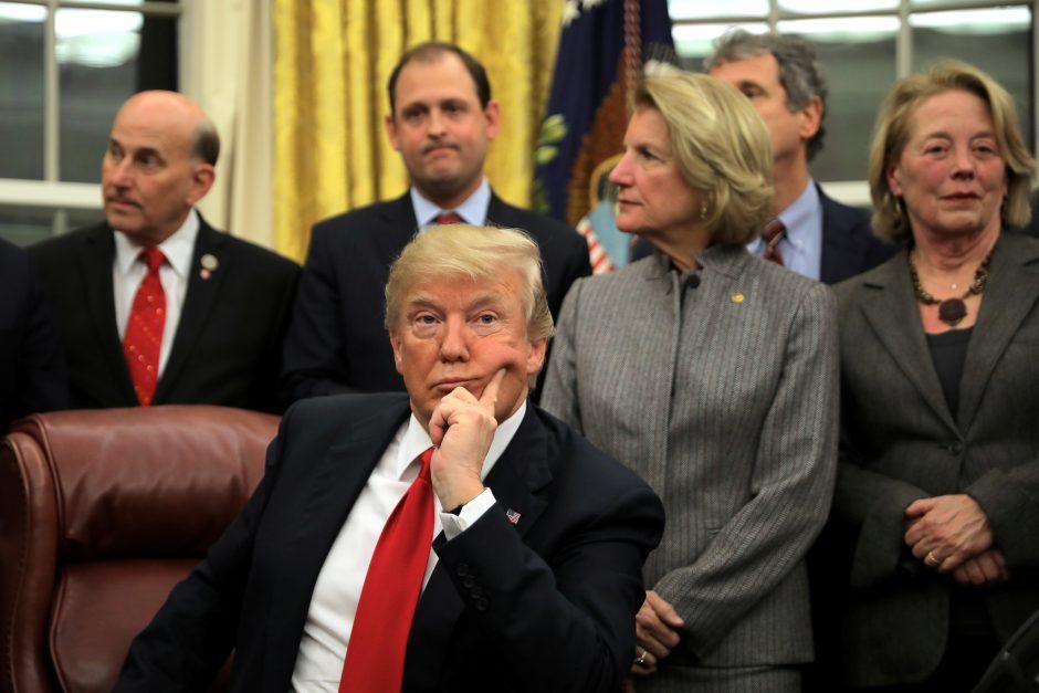 D. Trumpas: JAV galėtų vėl prisijungti prie Paryžiaus klimato sutarties