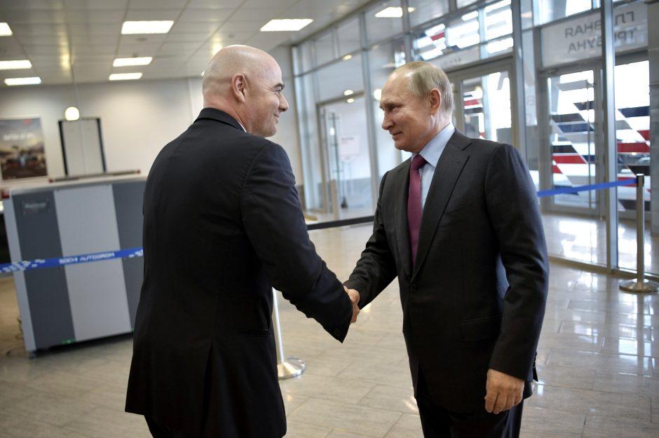 FIFA vadovas: Rusija visiškai pasiruošusi pasaulio futbolo čempionatui