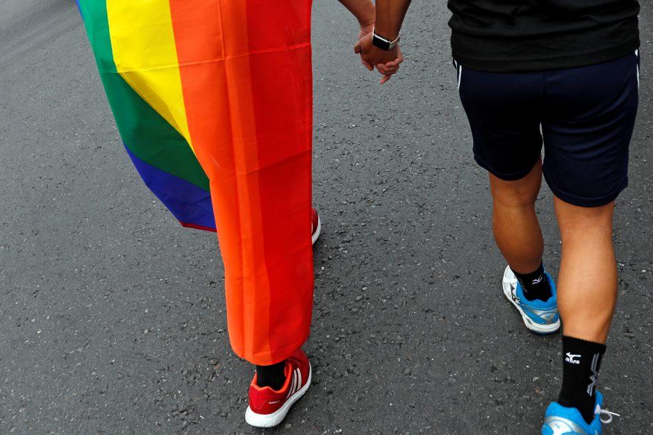 Teismas: Lietuva turi pripažinti užsienyje sudarytas homoseksualų santuokas