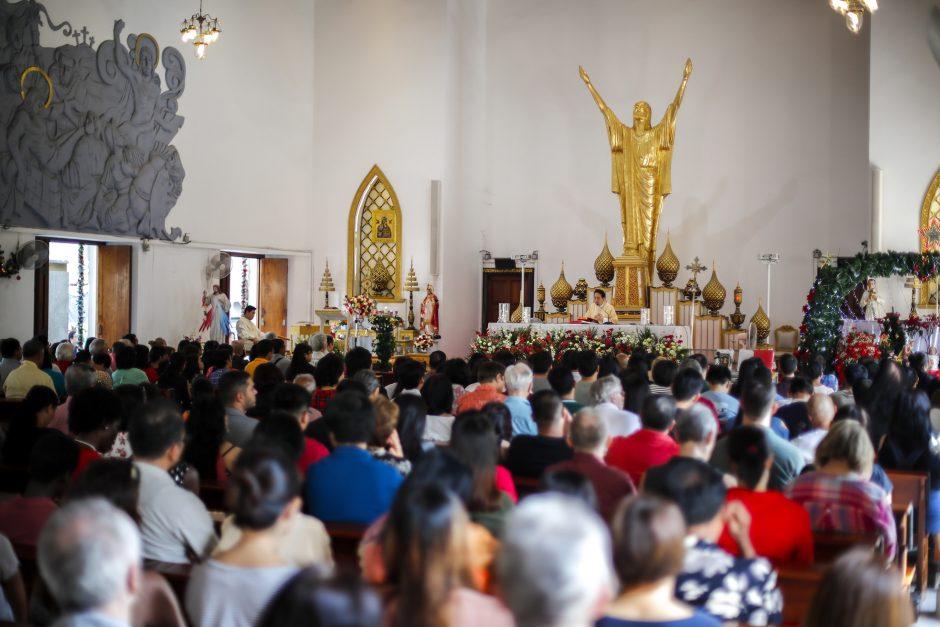Pasaulio katalikai švenčia Kalėdas