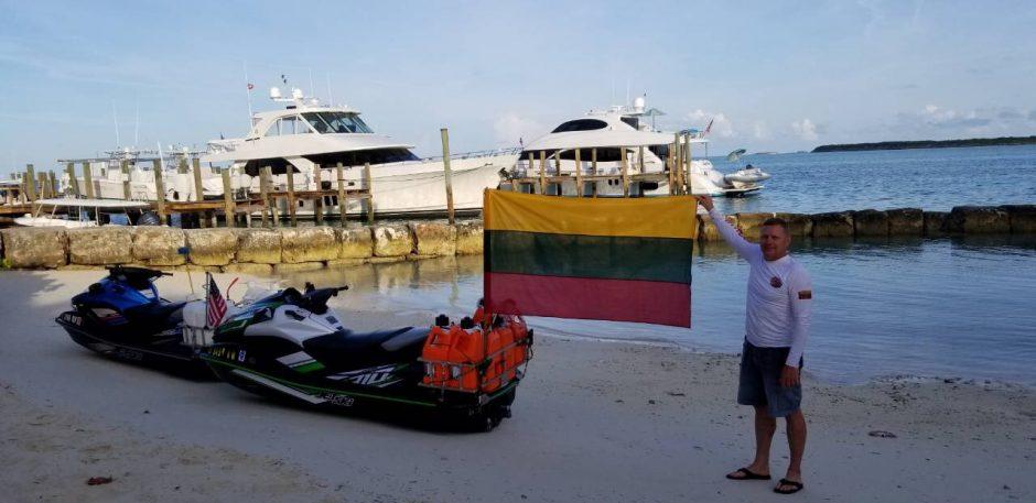 Dėl Lietuvos – tūkstantis kilometrų vandens motociklais