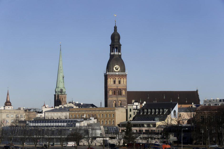 Vidutinis mėnesio atlyginimas Latvijoje perkopė 1000 eurų