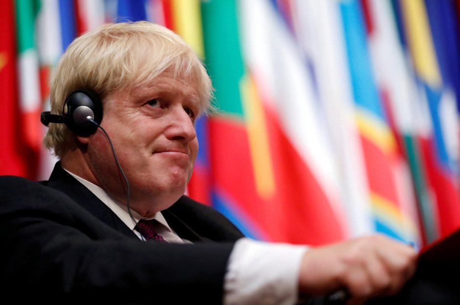 "B. Johnsonas ""Brexit"" derybose prognozuoja ES ""pergalę"""