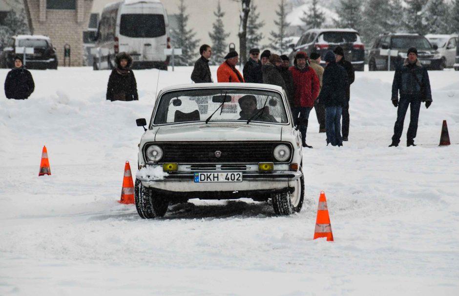 Automobilių sporto veteranai vėl varžysis slalomo aikštelėse Kaune