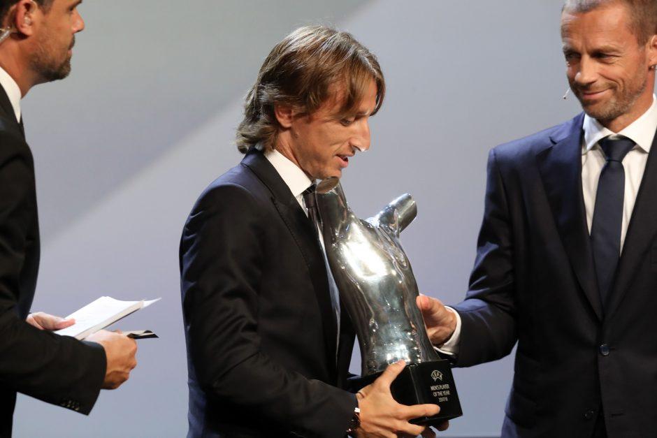 C. Ronaldo nukarūnavęs L. Modričius išrinktas Europos metų futbolininku