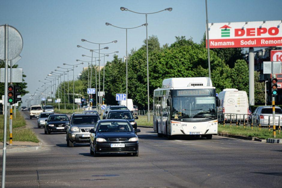 Panevėžyje autobusas kliudė ant šaligatvio stovėjusį vyrą