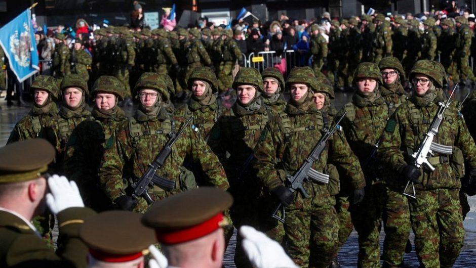 Estijoje tęsiasi didelio masto karinės pratybos