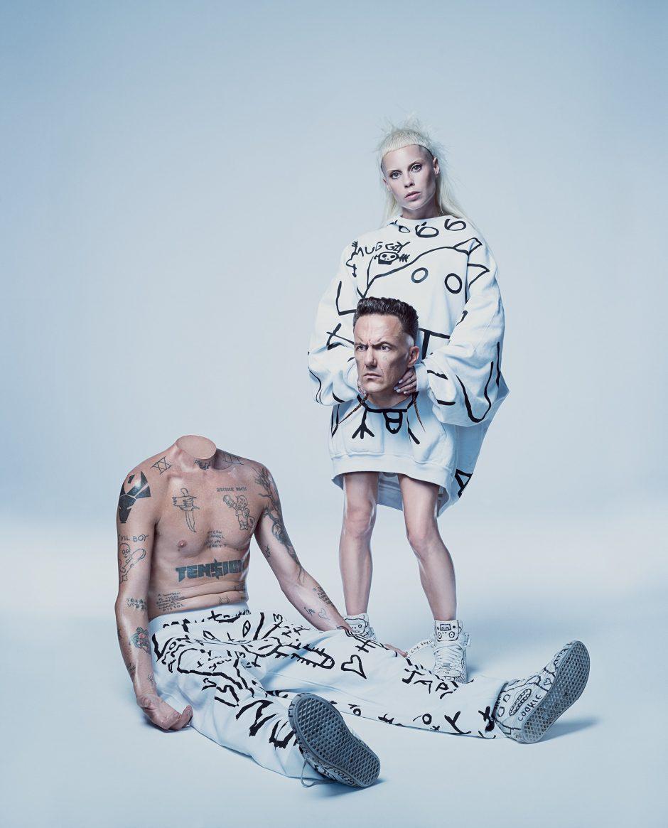 """Ekscentriškasis duetas """"Die Antwoord"""" siunčia žinią Vilniui"""