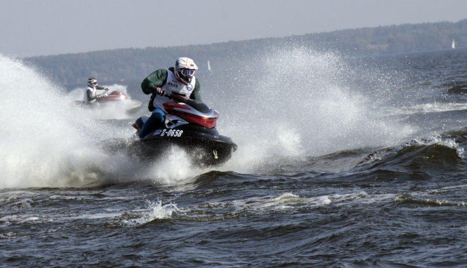 Kontrolierė tirs, ar vandens motociklų varžybose nebuvo pažeistos neįgaliojo teisės