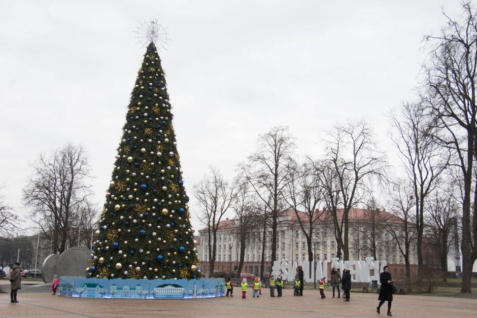 Kalėdinė nuotaika Šiauliuose: papuoštame mieste netrūksta šventinių renginių