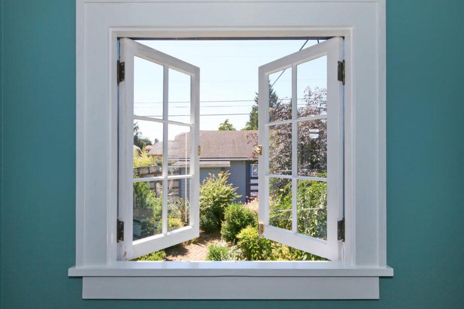Patarė, kaip teisingai ir greitai nuvalyti langus
