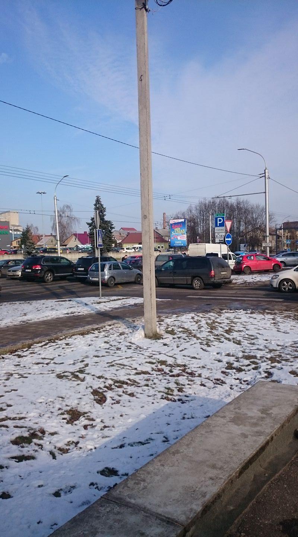 Savanorių prospekte – trijų mašinų avarija (formuojasi spūstys)