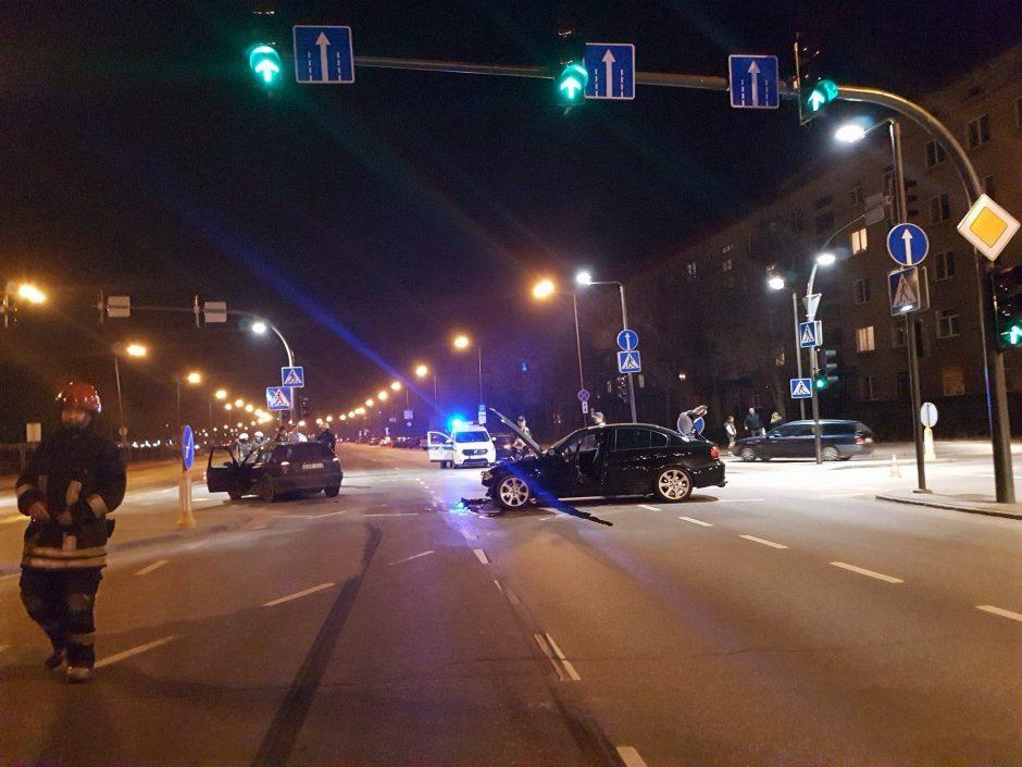 """Gal matėte BMW ir """"Volkswagen Golf"""" avariją miesto centre? (ieškomi liudininkai)"""