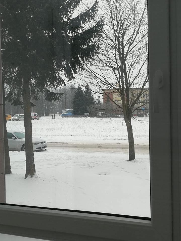 Policija: pranešimas apie sprogmenį Panevėžio rajono gimnazijoje – melagingas