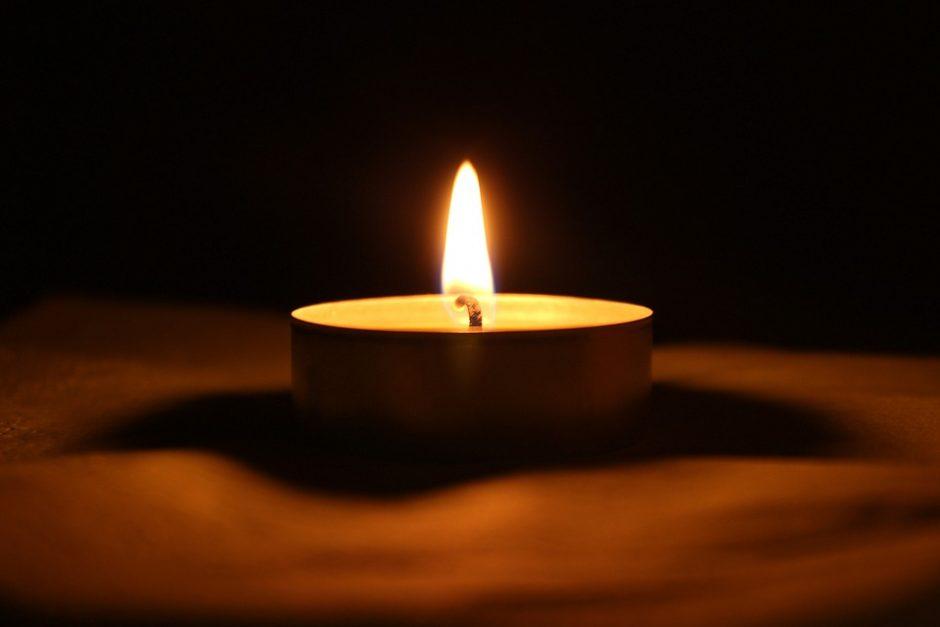 Tragedija Rokiškyje: žuvo pro langą iškritusi senolė