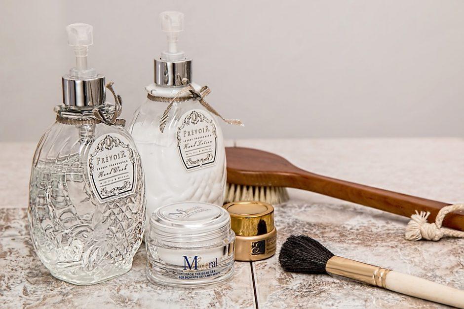 Kaip prižiūrėti sausą odą: tiesa ir mitai