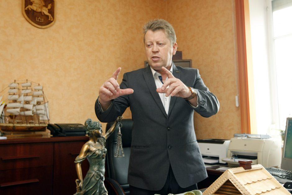 Profsąjungos lyderis švaistėsi ginklu prieš nelegaliai samdytą darbuotoją?