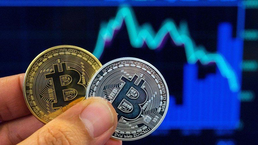 Kriptovaliutų rinkose – nuosmukis