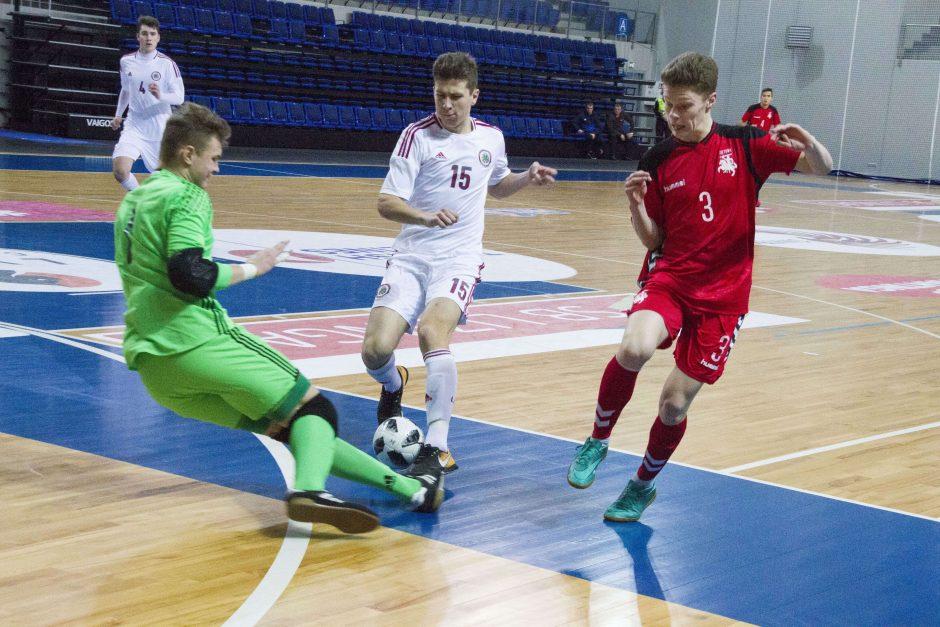 Lietuvos jaunių salės futbolo rinktinė pralaimėjo latviams