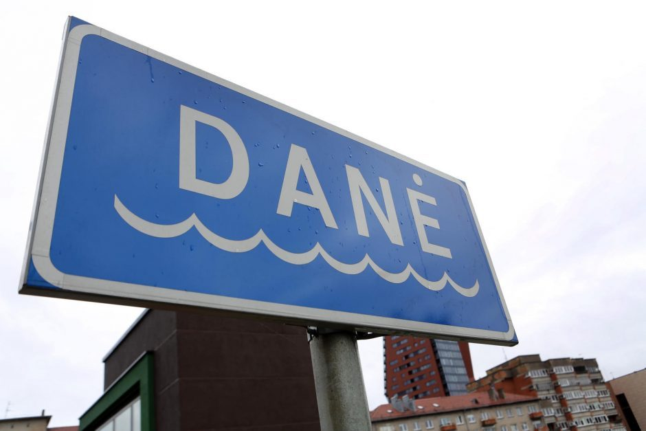 Vandens lygis Danės upėje slūgsta