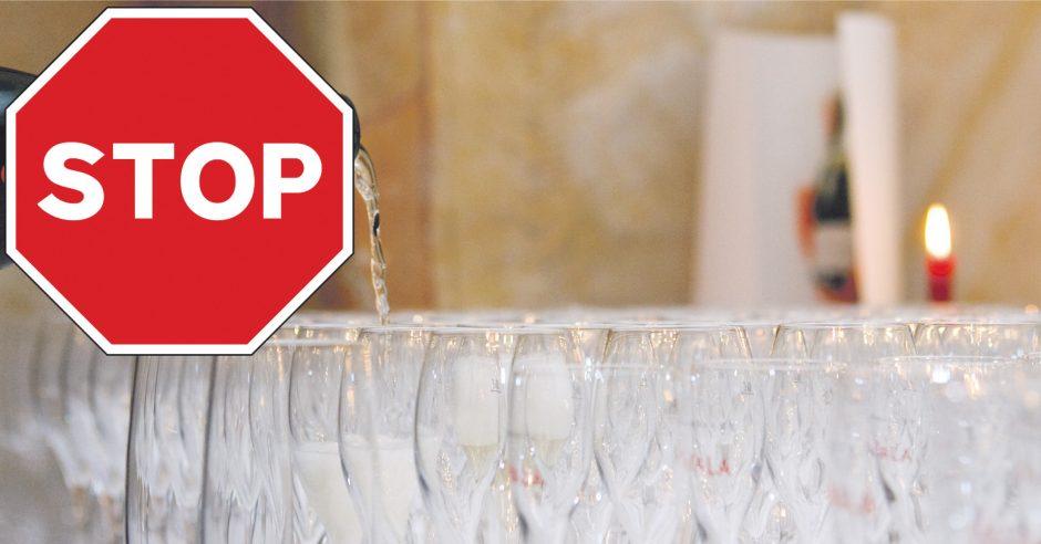 Už butelį šampano ant stalo – bauda