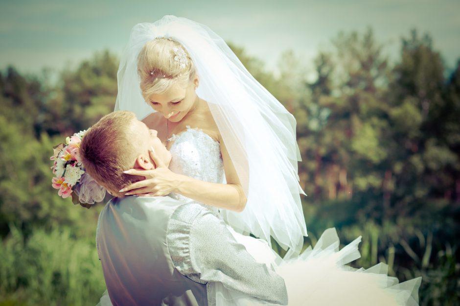 Noras vestuvių proga įsiamžinti prie jūros baigiasi bauda